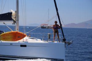 Perfect-Sailing-Serenity-Hanse-415-motoring-Atabol