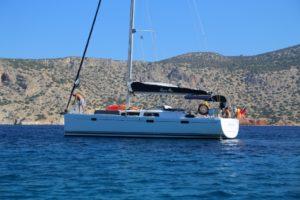 Perfect-Sailing-Serenity-Hanse-415-anchored-Alimnia