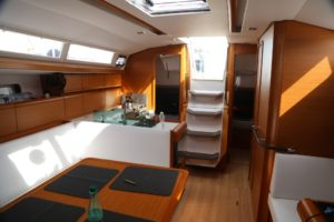 Jeanneau-419-main-cabin-looking-aft