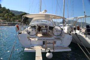 Beneteau-Oceanis-45-at-berthBeneteau-Oceanis-45-at-berth