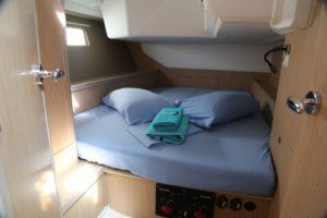 Beneteau-Oceanis-45-aft-cabin