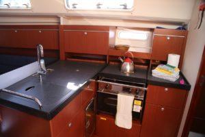 Perfect-Sailing-Serenity-Hanse-415-galley